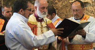 نيافة الاسقف مار عمانوئيل، يترأس قداس جناز ومراسيم دفن الاركذياقون الراحل، توما القس ابراهيم في كندا