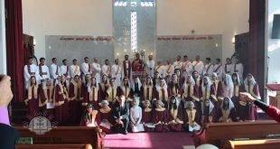 بوضع اليمين المباركة لنيافة الاسقف مار بولص بنيامين، رسامة سبع شمامسة في كنيسة مريم العذراء في مشيغان