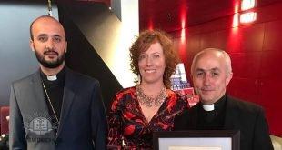 """نيافة الاسقف مار بنيامين ايليا، يحضر حفل توقيع كتاب """"ديون الشرف"""" الذي يحكي قصة جنرال استرالي، أنقذ حياة الآلاف من الاشوريين عام 1918"""