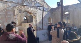 في بادرة هي الاولى من نوعها، أكثر من 250 شخصاً من رعيات كنائس بغداد، يزورون كنيسة مار كيوركيس المفجرة في الحبانية في محافظة الانبار