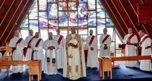 غبطة المطران مار ميلس زيا، يقيم القداس الاول في الكنيسة المستأجرة الجديدة لرعية مار كيوركيس الشهيد في سيدني