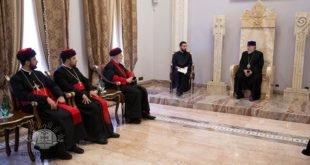 وفد كنيسة المشرق الآشورية يتلقي قداسة كاثوليكوس عموم الأرمن، كاريكين الثاني،الرئيس الأعلىللكنيسة الرسولية الأرمينية الارثوذكسية