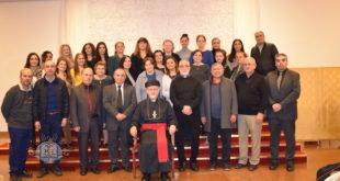 نيافة الأسـقف الجليل، مار عبد يشـوع أوراهام، يلتقي كاهن وأعضاء كافة لجان رعية الكرسـي